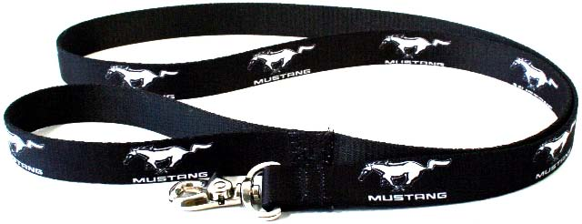 ford_mustang_dog_leash_carz